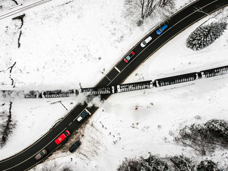 Schierke Bahnübergang im Schnee